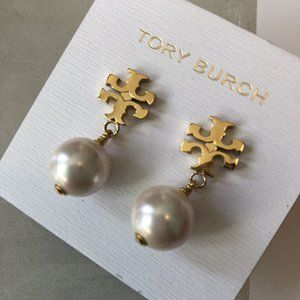 🎁NWT Tory Burch Classic Pearl Earrings